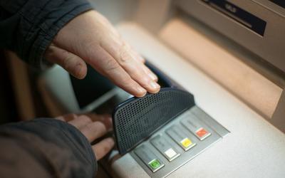 Targobank Geld abheben – 5 kostenlose Möglichkeiten!